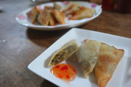 harkis-recipe-spring-rolls-frying