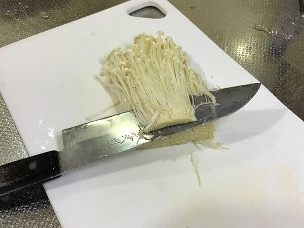 enoki-mushroom-2