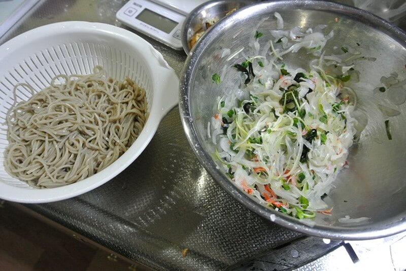 grilled-salt-mackerel-salad-recipe-26